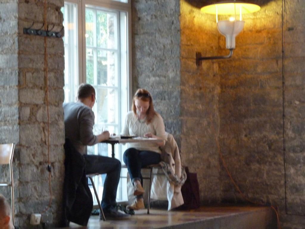 Ett kafé i Tallin som startpunkt för stadsutvekling i ett stadsnära äldre industriområde med ateljéer, pop up butiker, restauranger m.m.