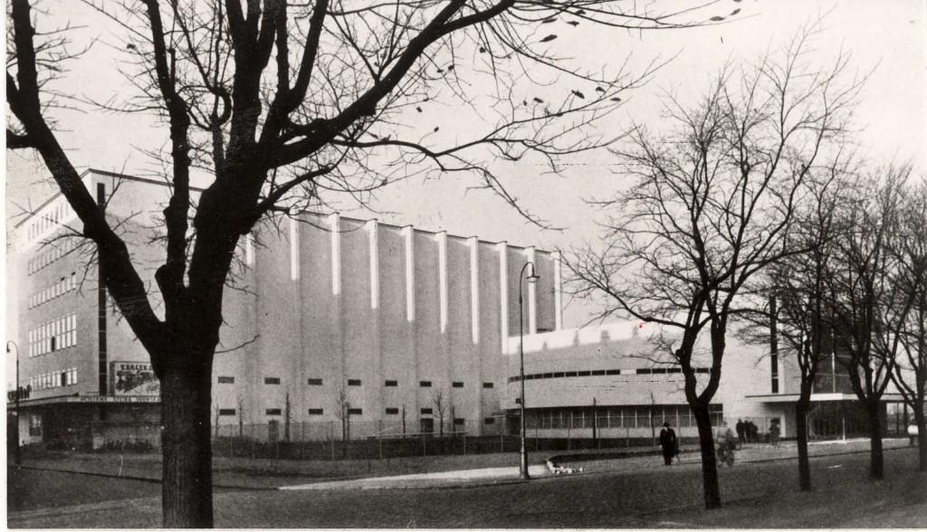 Helsingborgs konserthus med huvudentrén till höger